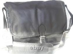 Messenger bag for Professional & Diplomat, Black. Handcrafted in the USA New