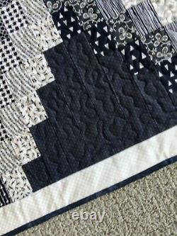 New Handcrafted! Black and White Bargello Waterfall Throw Size Quilt 50 X 66